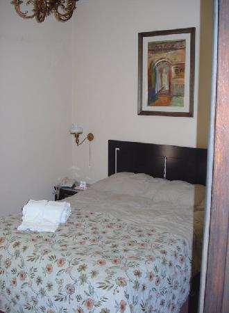 Hotel Beltran: cama doble superior