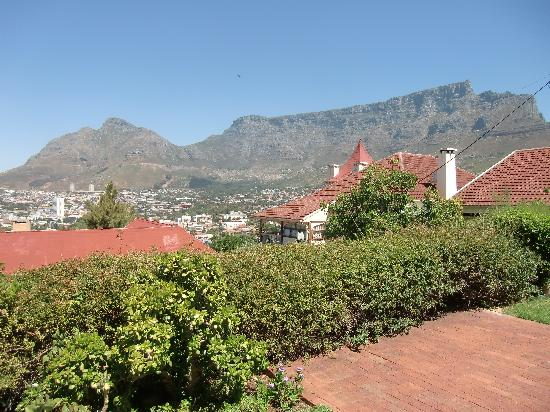 Bergzicht Guesthouse: Table Mountain view