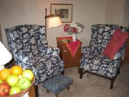 The Wayside Inn: Sitting Area