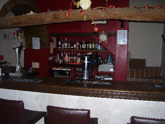 Mingo Bar Restaurante : Our well-stocked bar