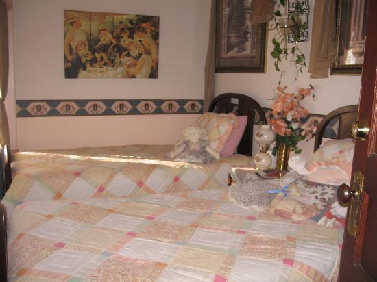 Armour's Hotel: Peach Room