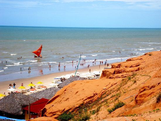 Praia de Canoa Quebrada : Red cliffs