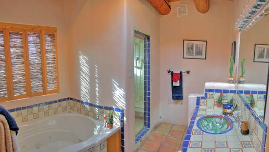 Hacienda del Sol : Cowgirl bath