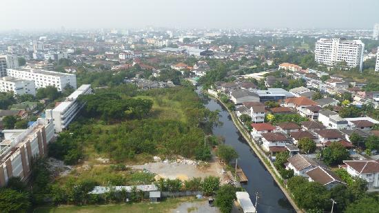 Avana Bangkok Hotel : My view from Avana room