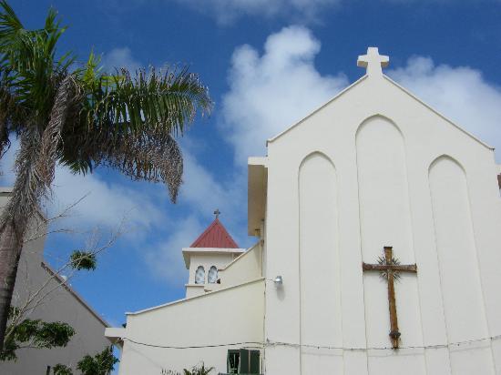 St Martin / St Maarten: Church in Philipsburg, beach side