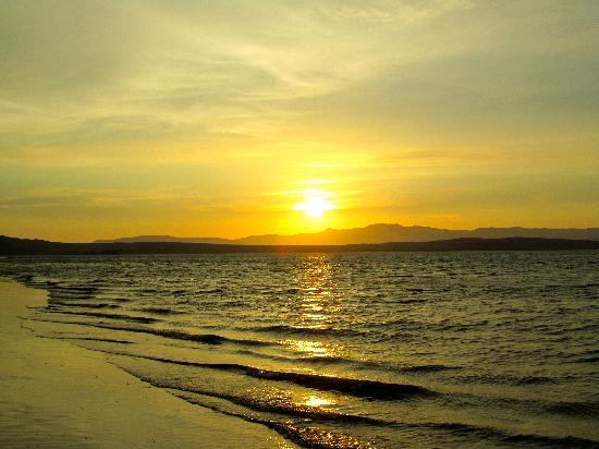 DoubleTree Resort by Hilton Hotel Paracas : sunset 6:45 pm