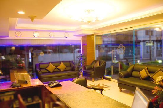 Ramanashree Brunton Road: Lobby Area