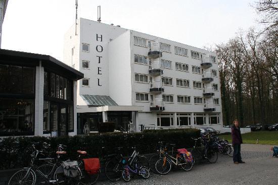 Fletcher Hotel-Restaurant Erica: outside