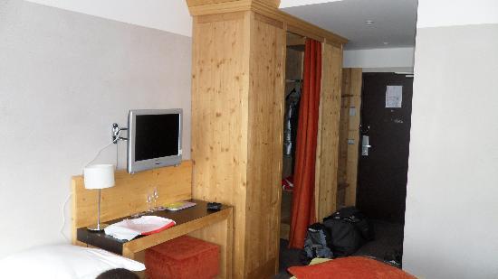 Hotel les Bruyeres : Chambre 408 - 2