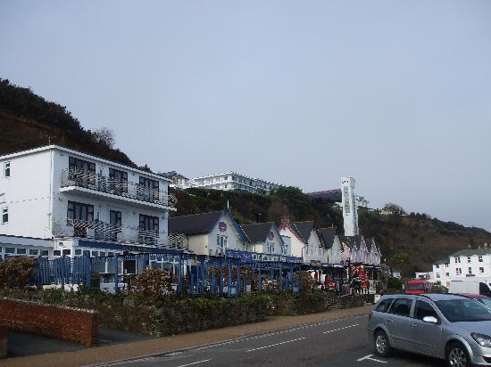 Ocean View Hotel: ocean view perched on top of the hill!!