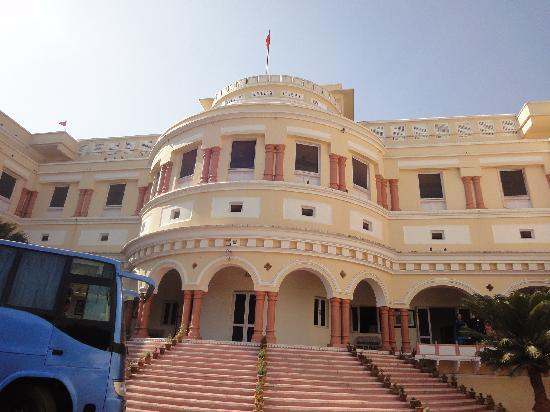 The Sariska Palace: the great sariska palace