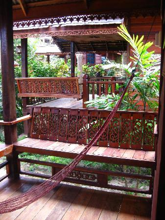 Haadsalad Resort: the porch and hammock