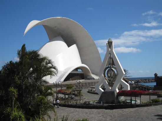 Santa Cruz de Tenerife, Espagne : Auditorio concert hall by Santiago Calatrava