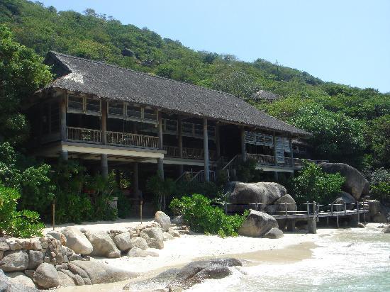 Six Senses Ninh Van Bay : Dining at the Bay