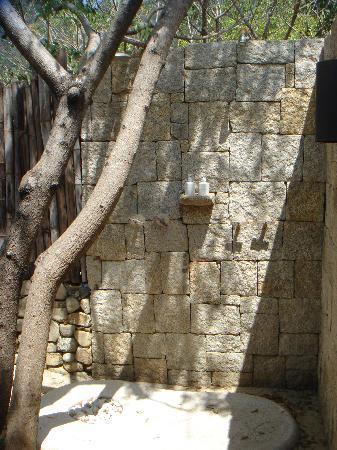 Six Senses Ninh Van Bay : Out door shower