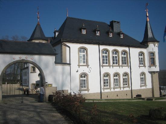 Château d'Urspelt : Unique de classe et de beauté.