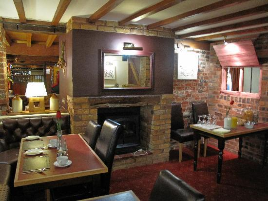 The Barns Hotel: Bar and Restaurant