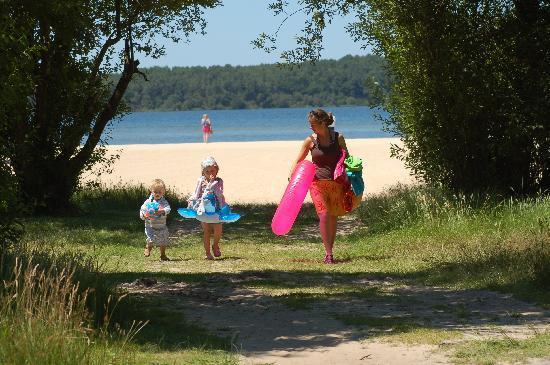 Siblu Villages - La Réserve : Vive la plage du lac!