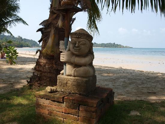 K.B. Resort: Detail #2