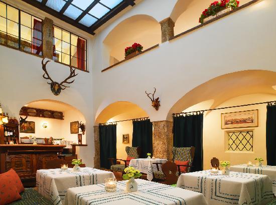 Hotel Goldener Hirsch, a Luxury Collection Hotel, Salzburg: Luxury Hotel Goldener Hirsch, Bar