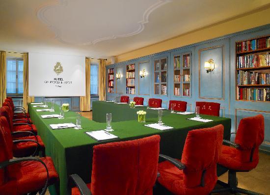 Hotel Goldener Hirsch, a Luxury Collection Hotel, Salzburg: Luxury Hotel Goldener Hirsch, Meeting Room Bibliothek