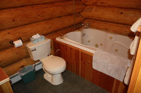 Hitching Post Resort: jetted tub