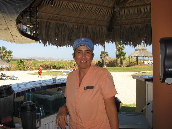 Holiday Inn Resort Los Cabos All-Inclusive: Alma - Bartender Extraordinaire