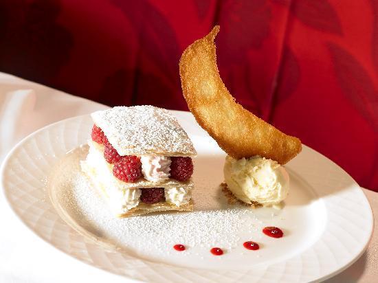 Westport Plaza Hotel: Restaurant Merlot Dining