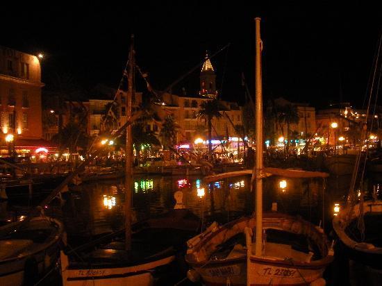 Sanary-sur-Mer, France: Vista dal porto