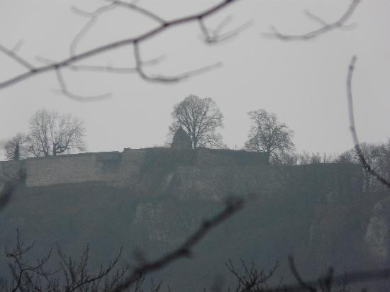 Graf Eberhard : Burgruineim Nebel