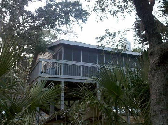 Fort McAllister State Historic Park Campground : A view of the cottage
