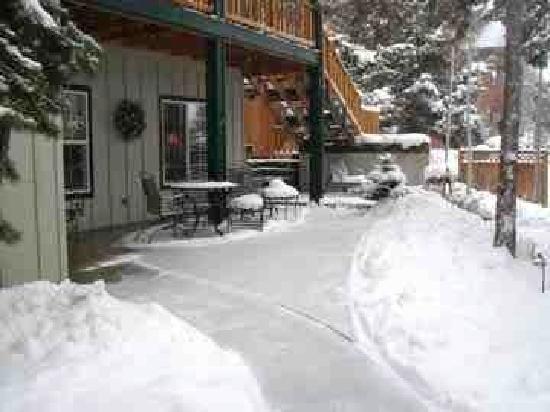 Hillside Inn B&B: Snow