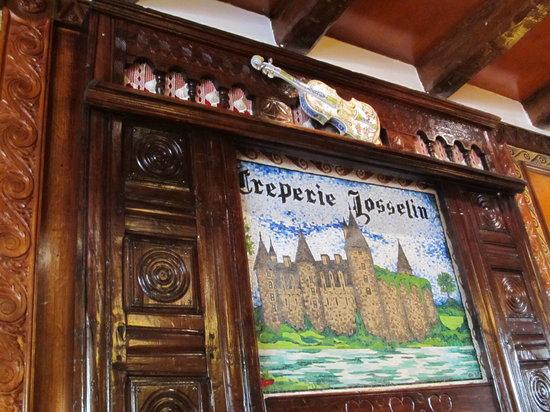 La Creperie de Josselin : The creperie mural!