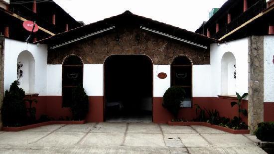 Hacienda Santa Cecilia: facha del hotel