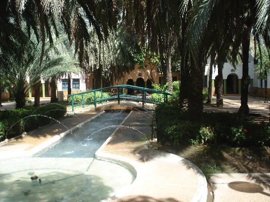 Dunes Hotel & Beach Resort: Pasillo