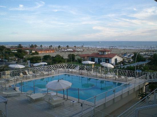 Piscina foto di hotel joseph marina di pietrasanta tripadvisor - Bagno italia marina di pietrasanta ...