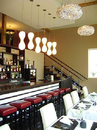 Nectar Restaurant and Wine Bar : Drop by for a glass of wine or sip a martini in our gorgeous loung area