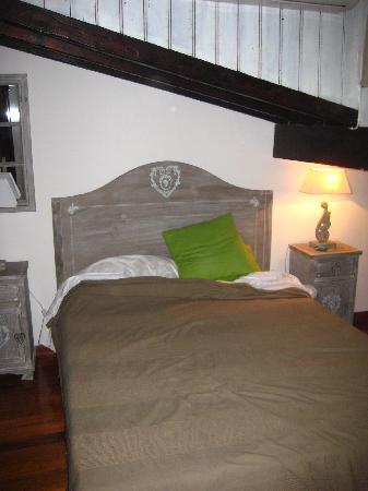 Calisto 6 Bed & Breakfast: Quirky bedroom