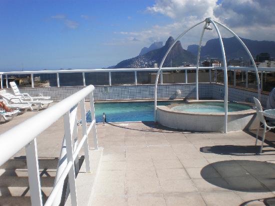 Atlantis Copacabana: Vista desde azotea,(con piscina chica), hacia el lado de Ipanema