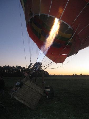 Aoraki Balloon Safaris: getting the balloon up!