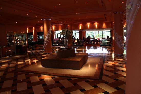 Iguazu Grand Resort, Spa & Casino: Entrance & Lobby Bar