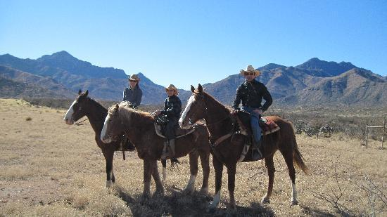 Elkhorn Ranch: Riding in the desert