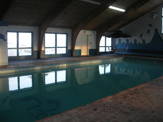 Presque Isle Inn & Convention Center : The pool
