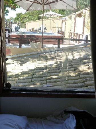Barra da Lagoa Hotel : Aqui dá para ver a cama e a piscina barulhenta. Nunca mais! Nunca mais mesmo!!!