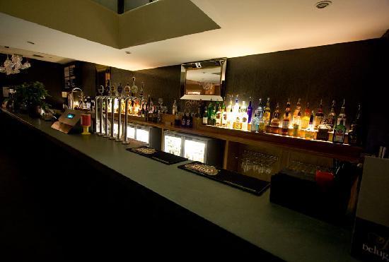 Beluga bar & eaterie: The Bar