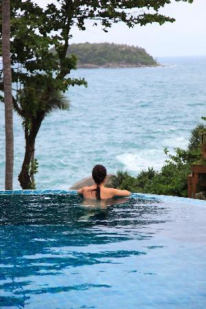Baan Saleah Phuket: View of infinity pool