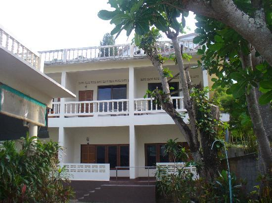 Katanoi Club Hotel - airconditioned rooms