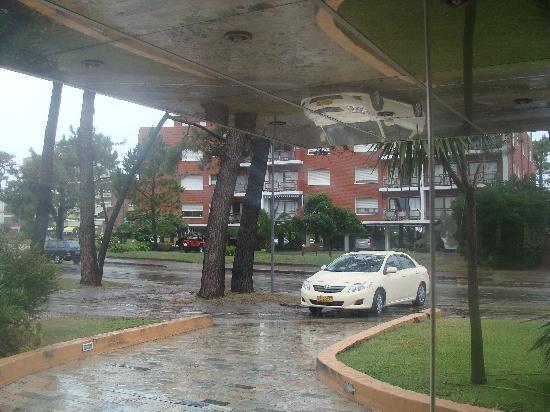Salto Grande Hotel: Acceso