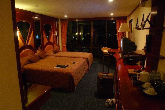 Kelly's Residency : Seaview room no. 405