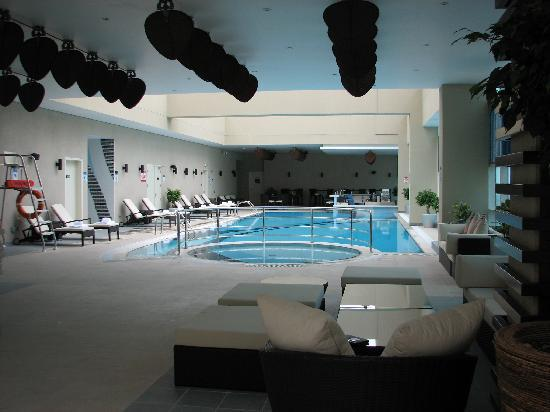 Grand Millennium Al Wahda: Pool